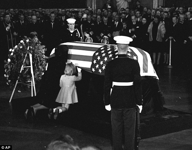 """I saw his flag-draped coffin…"" Photo courtesy of: http://www.dailymail.co.uk"