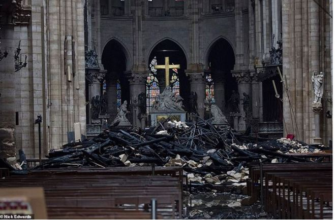 www.sunnyskys.com_2019-04-23 10_11_18-All 3 Irreplaceable Rose Windows Of Notre Dame Have Survived The Fire
